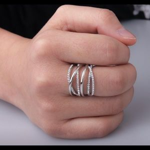 Sassy Silver Intertwined Statement Ring Size 5